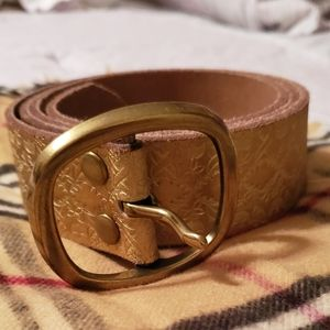 Beautiful Genuine Leather. Target Belt. Gold Color